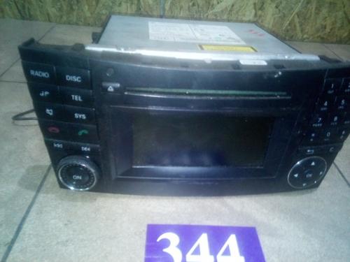 Radio-CD player A2118705694