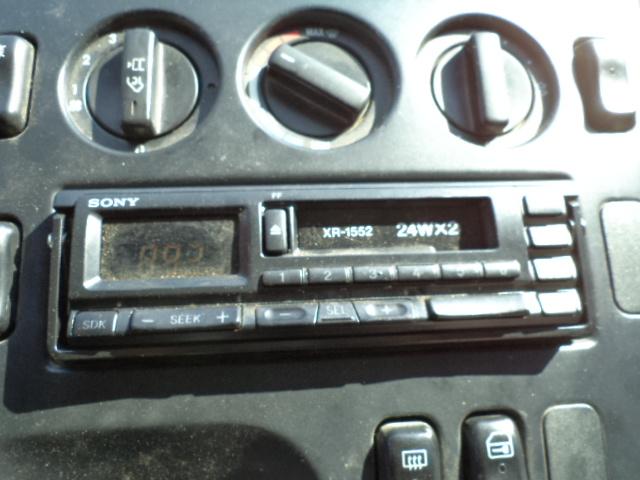 Radio-casetofon